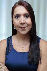 Ceiça Monteiro - Livro e Blog Menos é Sempre Mais